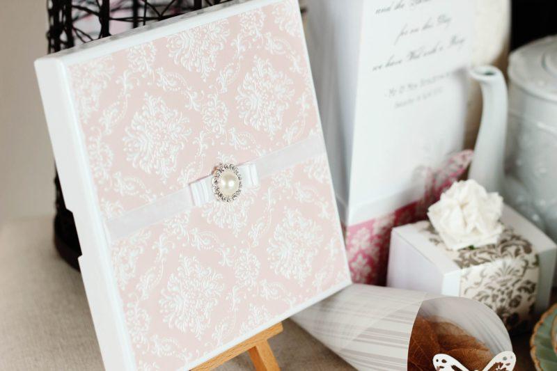 Invitaciones de boda hechas a mano